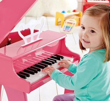 Hape Toys Eco-friendly Happy Grand Piano In Pink